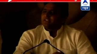 CM Akhilesh Yadav's press conference suffers power cut - ABPNEWSTV