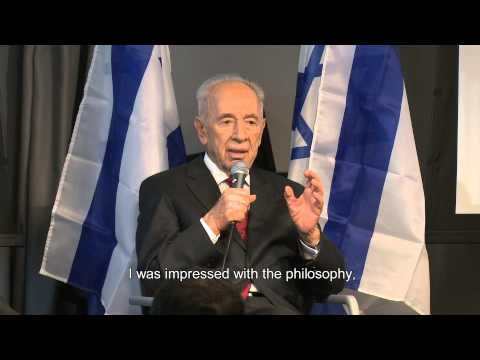 President Shimon Peres visits Google Israel office