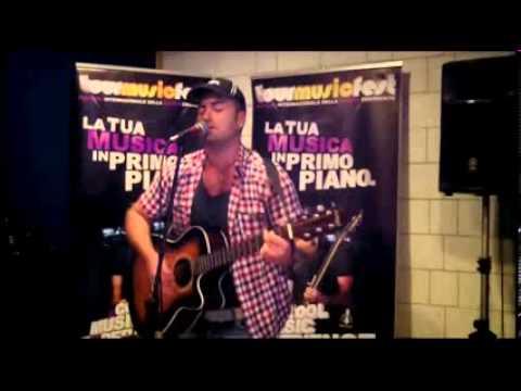 Angelo Alvitti - Piove (live In Tourmusicfest)