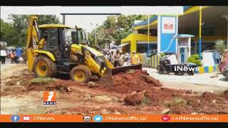 GHMC Officials Special Drive On Footpath Encroachments At Kapra Circle | iNews - INEWS