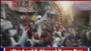 Mumbai: AIMIM विधायक वारिस पठान ने खुलेआम लहराई तलवार - ITVNEWSINDIA