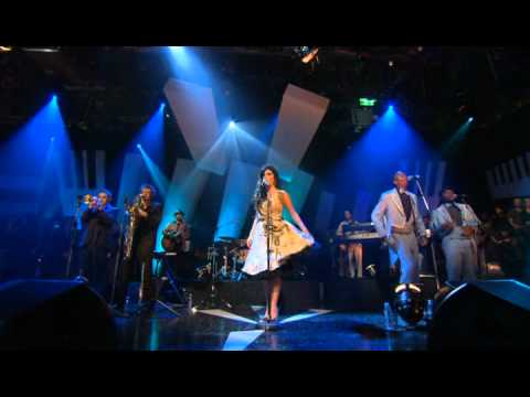 Amy Winehouse Rehab Tears Dry On Their Own Interview Jools 11 03 2006