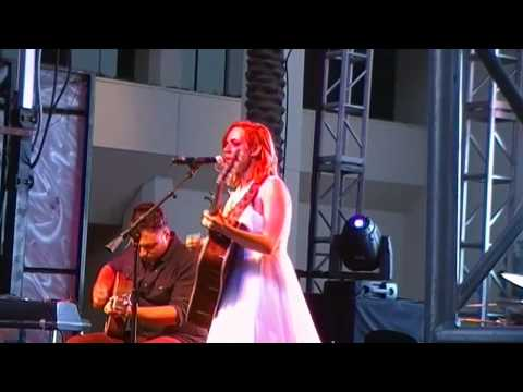 Exhaustive Vidcon 2014 018:Madilyn Bailey - Fancy, Tragedy