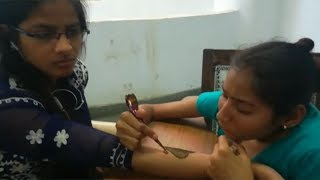 Ahmedabad: Divyang girls take part in mehndi competition - TIMESOFINDIACHANNEL