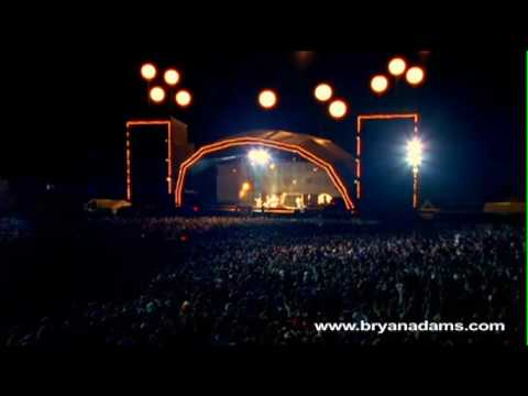 Bryan Adams - The Only Thing That Looks Good On Me Is You - Live at Slane Castle, Ireland