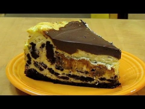 Cookies and Cream Cheesecake Oreo Style