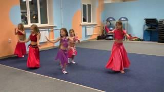 Первый танец в группе Дети Начинающие (с нуля). НА БИС! Еще одно видео))