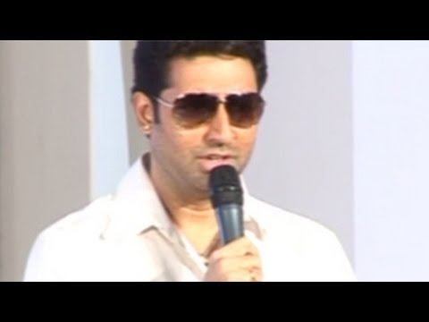 Abhishek Bachchan SNUBS a REPORTER for a RUDE statement