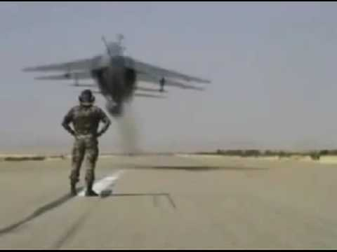 Extremely Low Fly Jet - Real Stunt