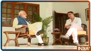 Akshay Kumar ने PM Modi का लिया Interview पूछा, आप 3 या 4 घंटे ही क्यों सोते हैं? - INDIATV