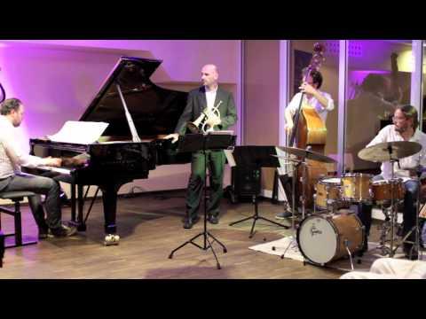 Sebastian Gahler Trio feat. Kornél Fekete-Kovács live @ Steinway-Haus Düsseldorf, 8:45 am/pm
