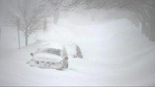 عاصفة ثلجية تضرب ساحل كندا الأطلسي