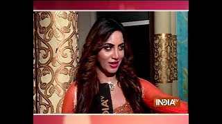 Arshi Khan wins over the viewers as Nayantara in Savitri Devi show - INDIATV