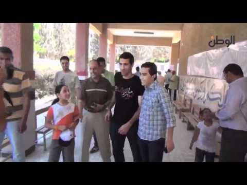 فيديو ابو تريكة يهرب من الصحفين فى الانتخابات