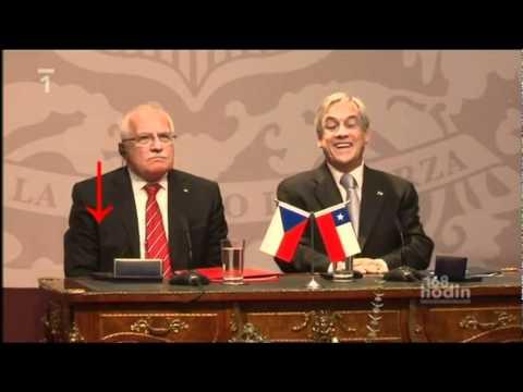 Чешский президент во время визита в Чили украл ручку