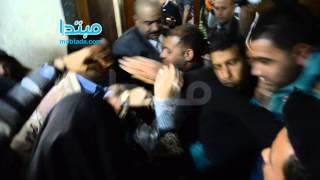 انفراد.. بالفيديو والصور.. نقاب صافيناز أمام النيابة