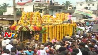 Huge Throng of Devotees at Simhachalam || Giripradakshina Celebrations || NTV - NTVTELUGUHD