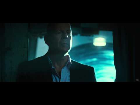 THE EXPENDABLES 2 Trailer HD -7rkdTcQLwZ4