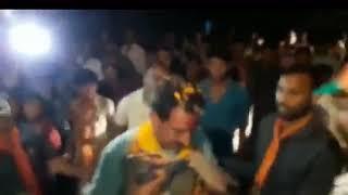 Madhya Pradesh BJP MLA Dilip Shekhawat greeted with garland of shoes in Nagada, video goes viral - NEWSXLIVE