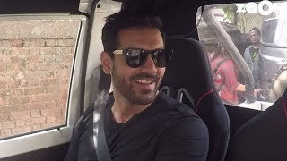 John Abraham Opens Up About His Personal Life And His Take On Bollywood Films | Zoom Weekend Show - ZOOMDEKHO
