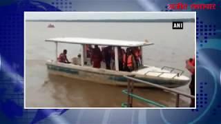 video : पूर्वी गोदावरी में पलटी नाव, बचाव कार्य जारी