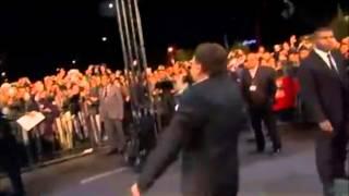 عادل إمام يرقص علي السجادة الحمراء لمهرجان مراكش السينمائي
