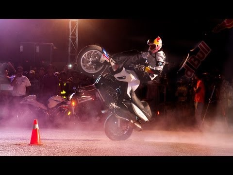 Sport Bike Stunt Riding in Pakistan - Chris Pfeiffer 2013