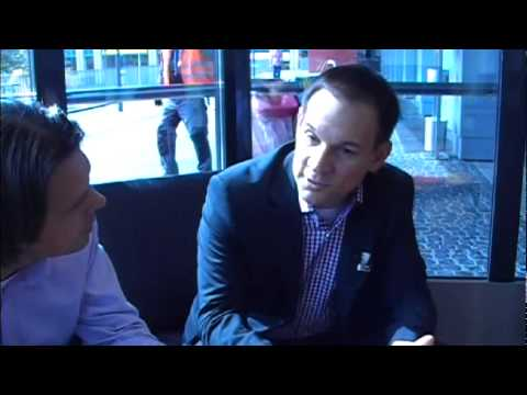 IOM SUMMIT 2011 - Interview mit Tim Miksa zum Social Workplace Konzept