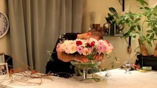 Уроки флористики Славы Роска. Французский букет из душистых роз на каркасе из вербы.