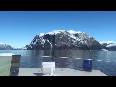 Sailing past icebergs Urdu version
