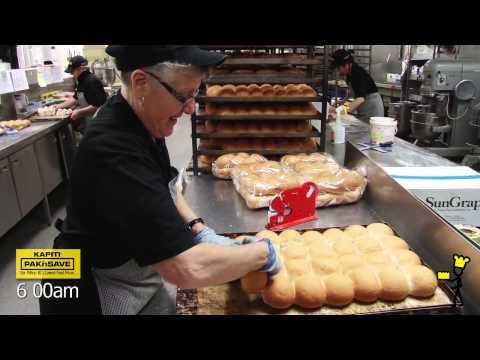 Kapiti PAK'nSAVE Bakery - a view behind the screens