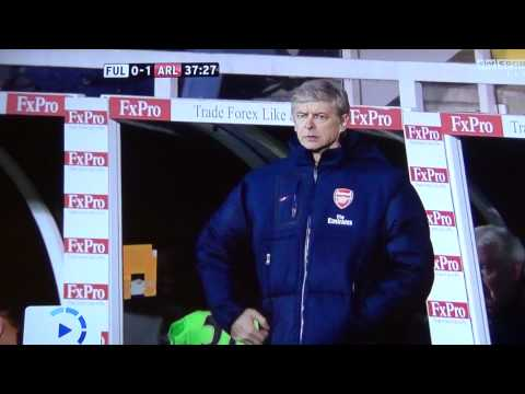 Arsene Wenger Can't Find His Pocket!