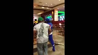 فيديو   مشاجرة بالكراسي داخل كازينو في نيويورك