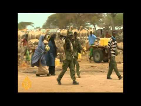 Somalis flee Shabaab violence