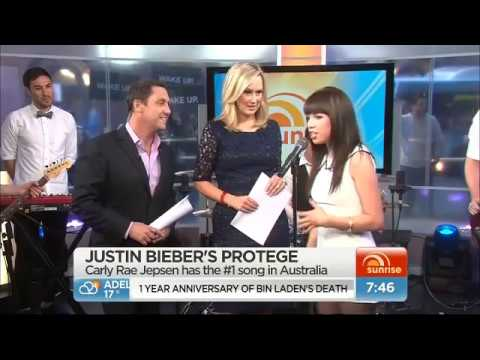 Carly Rae Jepsen performs 'Call me Maybe' LIVE on Sunrise, Australia