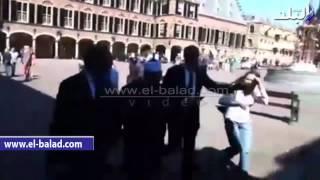 بالفيديو.. أعضاء الإخوان يعتدون على المفتى أثناء زيارته للبرلمان الهولندي
