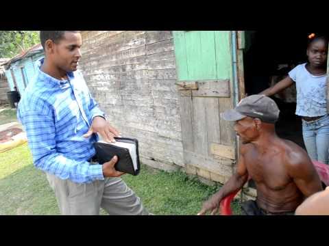 Cristianos Evangelicos predicando en zonas rurales.