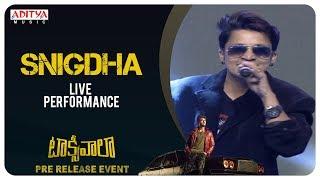 Snigdha Arjun Reddy Song Live Performance @ Taxiwaala Pre-Release EVENT Live || Vijay Deverakonda - ADITYAMUSIC