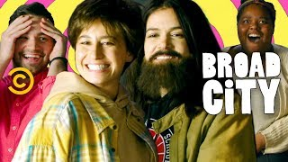 Abbi and Ilana Go Undercover to Meet Fans - Broad City - COMEDYCENTRAL