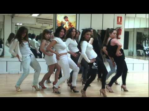 girls dance video