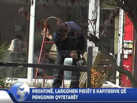 Prishtinë, largohen pjesët e kafiterive që pengonin qytetarët, Newstv, 22.11.2011.