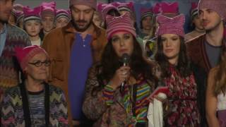 Missoni talks politics at Milan fashion show - REUTERSVIDEO