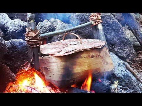 Gulasch gekocht im Baumrinden Topf [Waldläufer Wissen]