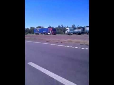 El camión que chocó en Mendoza circulaba en contramano