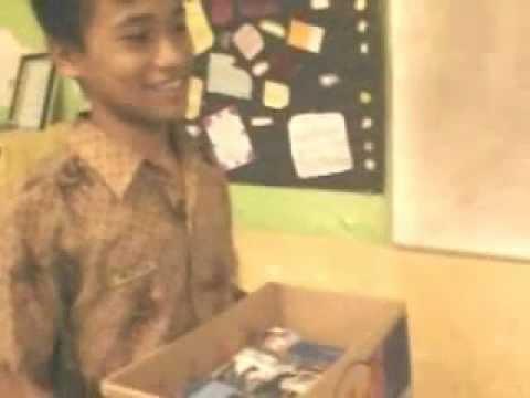 MTsN Surabaya 1 English Conversation-Asking for and Giving Help