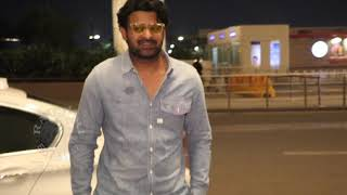 Baahubali Prabhas And S.S. Rajamouli Spotted At Mumbai Airport - RAJSHRITELUGU