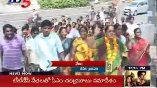 Small Movie Producers Agitations | Rama Krishna Goud Withdraw his Hunger Strike : TV5 News - TV5NEWSCHANNEL