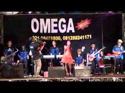Dangdut panggung Omega  Pertengkaran Ria enzgle