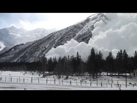 Avalanche on Cheget 2011 HD