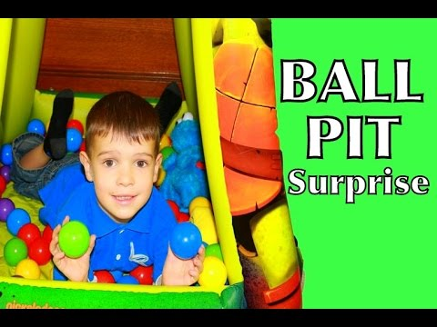 GIANT Surprise Toys BALL PIT CHALLENGE TMNT, Cookie Monster, Olaf, Spongebob, Frozen Toby Baby